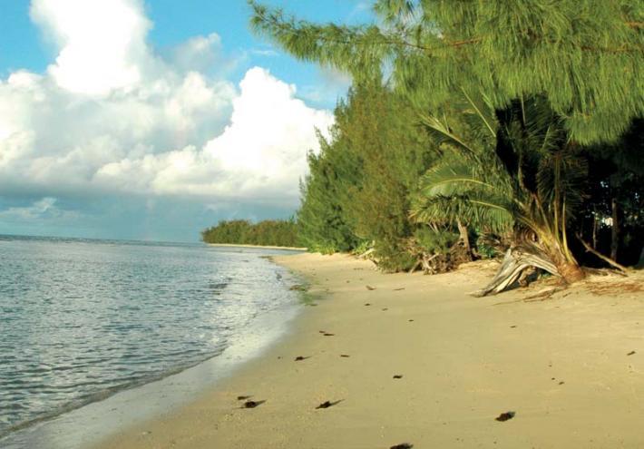 Une plage de Mataura. © J. SEKKAKI